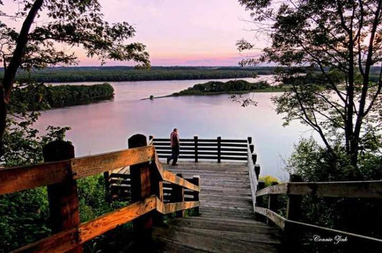Lookout Point at Mississippi Palisades State Park, Carroll County | Photo by Connie Zink/Courtesy of Visit Carroll County Illinois