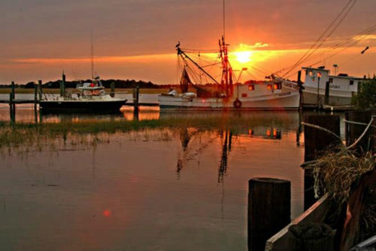 Murrells Inlet at sunset | Courtesy of Myrtle Beach Golf Holiday/Flickr