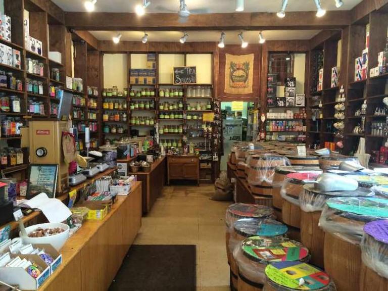 Inside of The Tea and Coffee Exchange| © Benita Gingerella