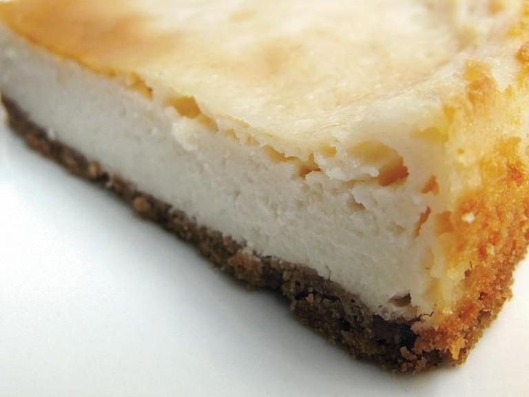 Lemon cheesecake | © juanelos/Flickr