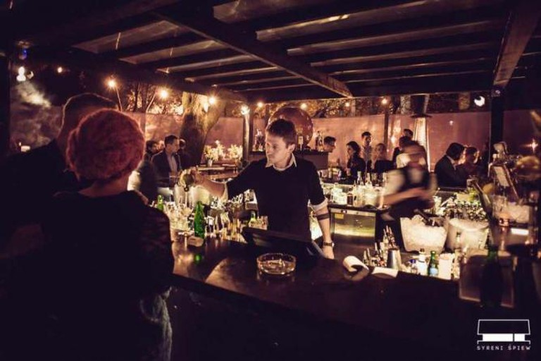 The outdoor bar | Courtesy of Syreni Śpiew