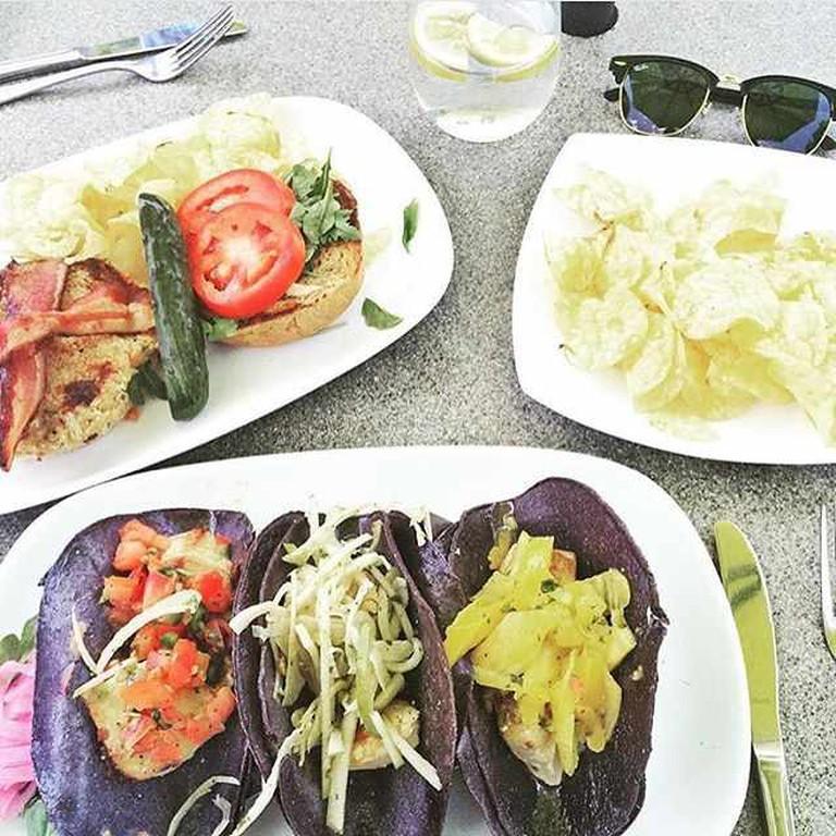 Mahi Mahi tacos | Courtesy of Fresco at the Gardens