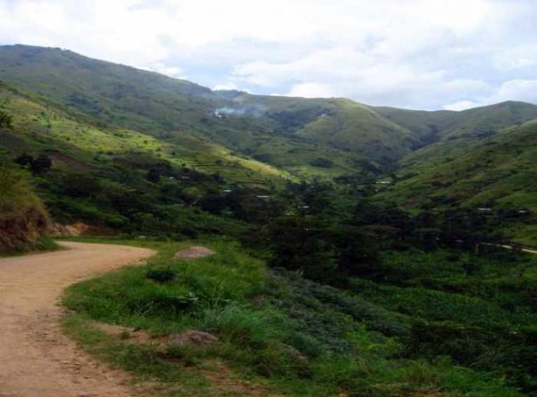 Rwenzori Foot-hills   © Sarahemcc/Flickr