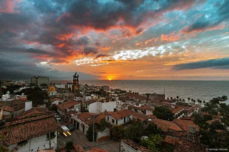 Vallartan sunset © Santiago Almada/Flickr