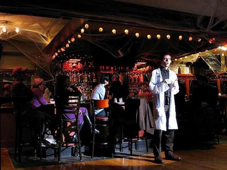 Speakeasy Theatre 10/19/10 | © Rob Nguyen/Flickr
