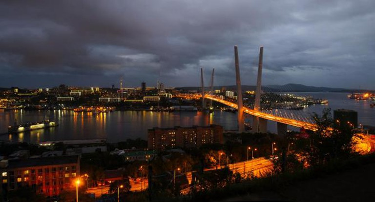 Zolotoy Bridge, Vladivostok | © Raita Futo/Flickr