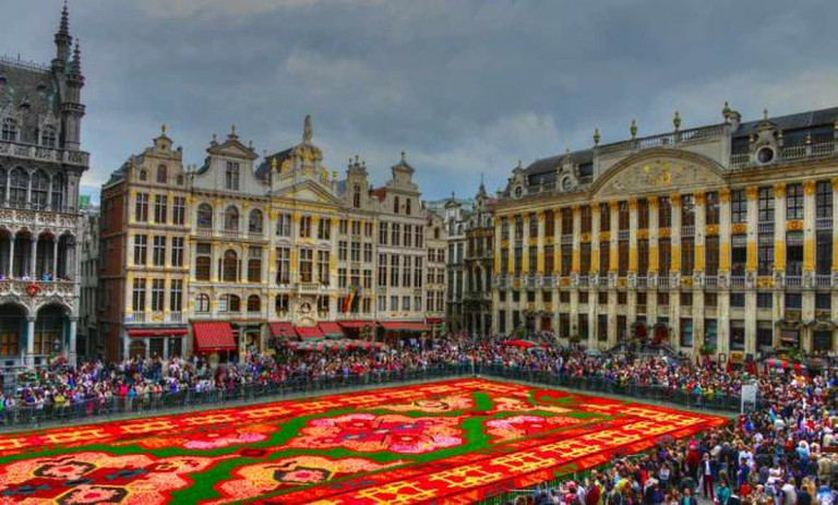 Grand Place Flower Carpet | © www.GlynLowe.com/Flickr