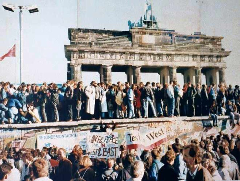 The Fall of The Berlin Wall 1989 | © Unkown Author/ Wikicommons