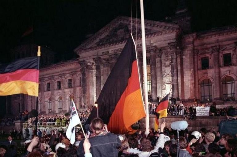 Berlin, deutsche Vereinigung, vor dem Reichstag | ©Grimm Peer/Wikicommons