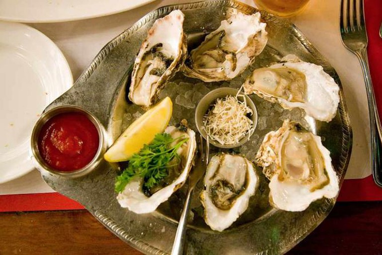 Oyster Combination Plate | © Elliot/Flickr