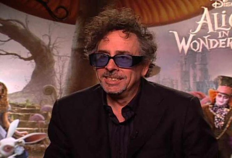 Tim Burton at Alice in Wonderland Fan Event © Made in Hollywood/Wikicommons