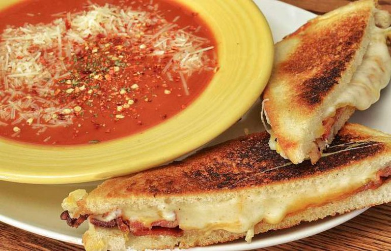 Mmm... The classic soup and sammy combo | © jeffreyw/Flickr