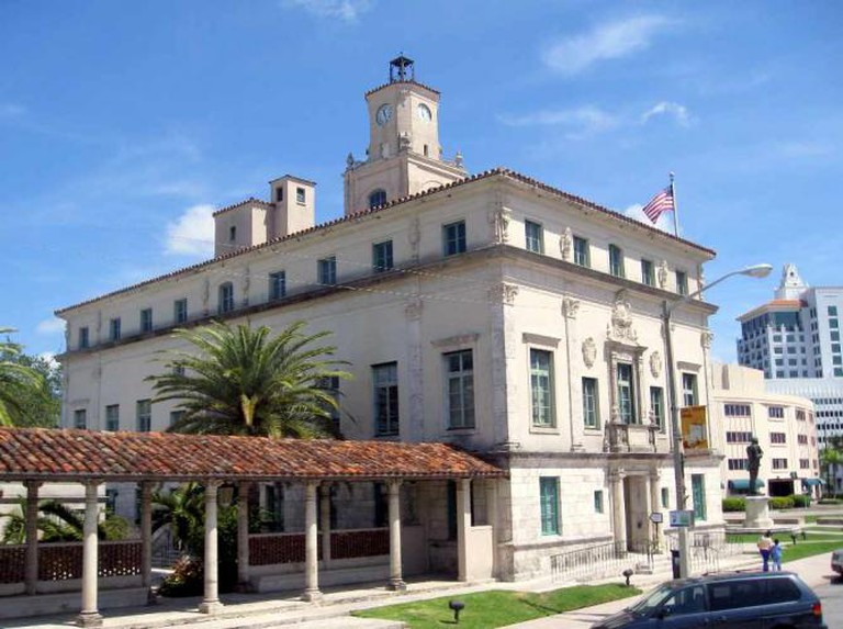 Coral Gables - City Hall   © Jared/Flickr