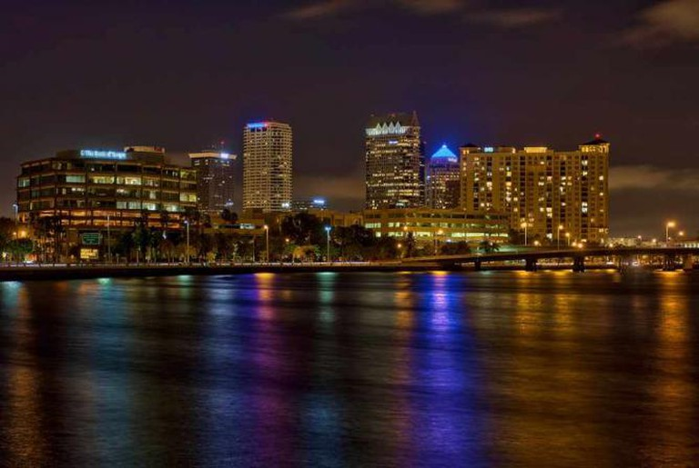 Bayshore Boulevard at night