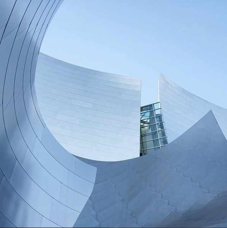 The curves of the Walt Disney Hall in LA, designed by architect Frank Gehry | Courtesy of Andrew Oxenham