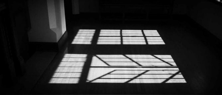Windows on Lone Mountain © Seleba Ouattara