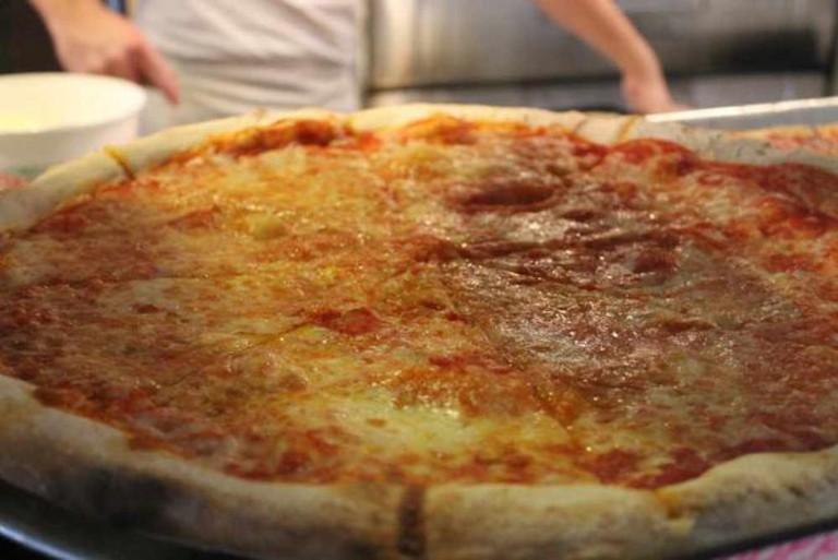Plain/ Cheese Pizza© La Piazza Pizzeria