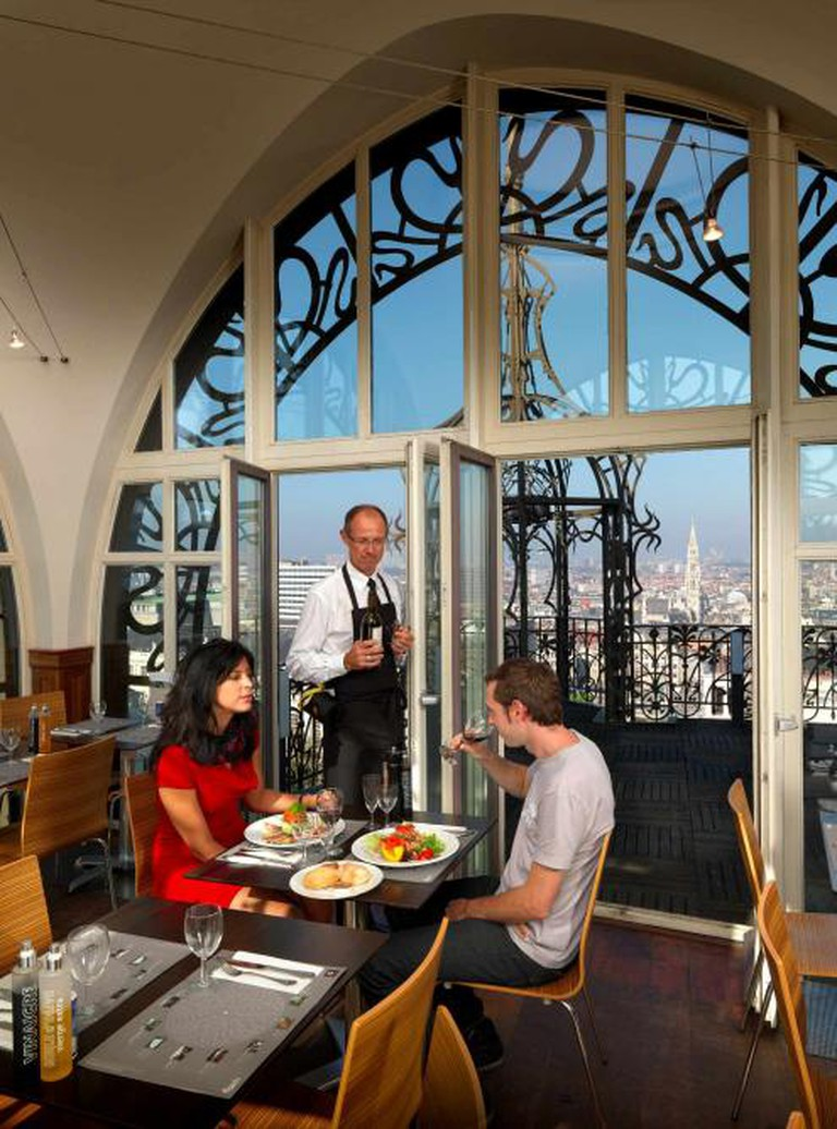 The interior of the restaurant on the rooftop | © milo-profi