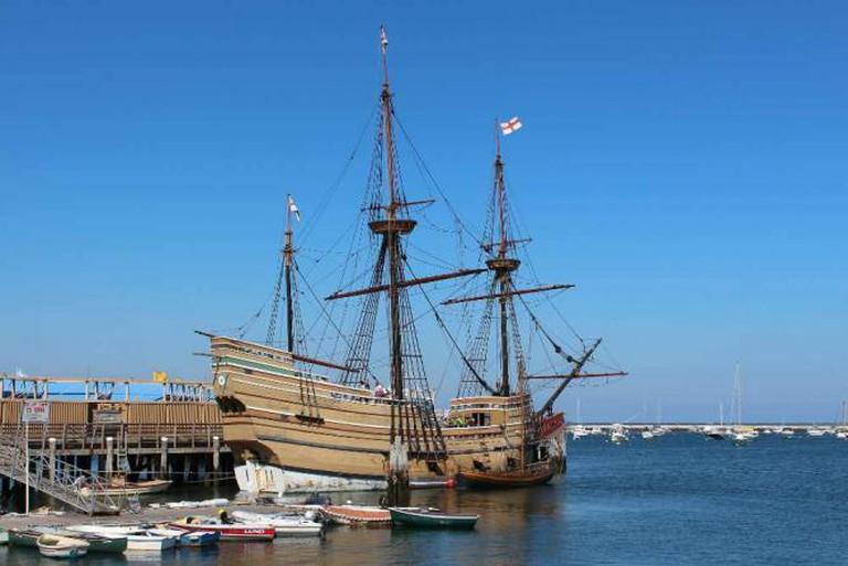 Mayflower II, Water St, Plymouth © Robert Linsdell/flickr