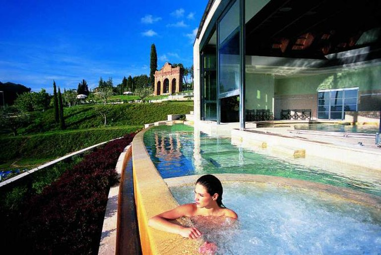 Bioaquam open air hydromassages | Courtesy of Fonteverde Tuscan Spa Resort