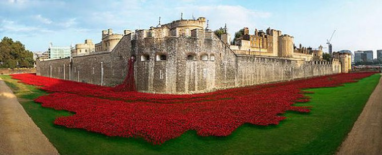 Poppies at the Tower of London   © JeyHan WikiCommons