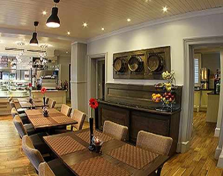Restaurant at The Westbridge Hotel | © The Westbridge Hotel