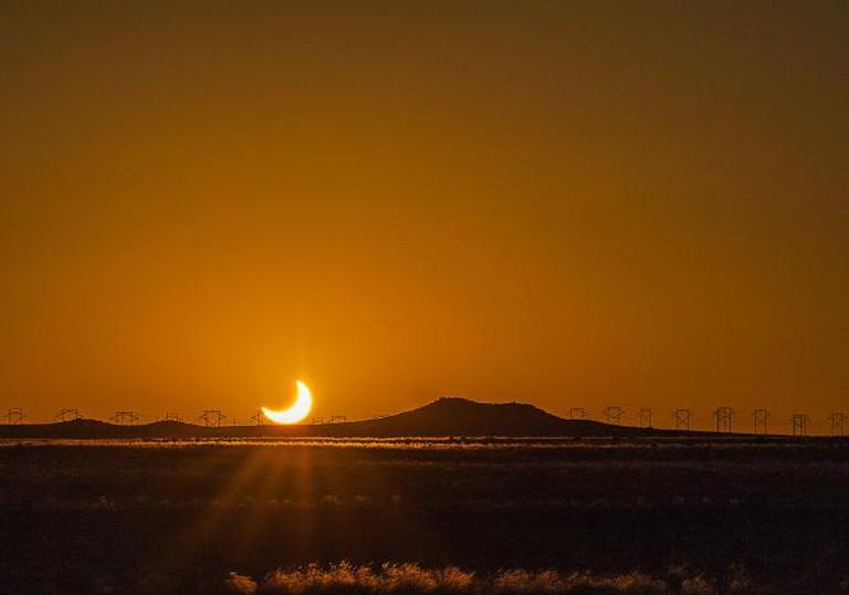 Eclipse sunset in Albuquerque I © Robert Adams/Flickr