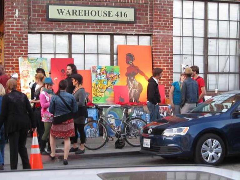 https://en.wikipedia.org/wiki/Art_Murmur#/media/File:Oakland_Art_Murmur_Warehouse_416_2012-06.jpg