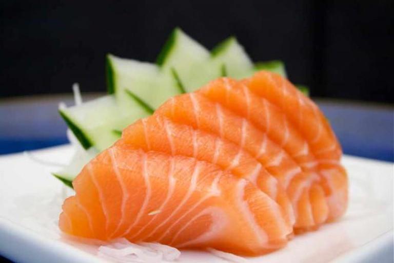 Salmon sashimi | © Luciano Ramo/Flickr