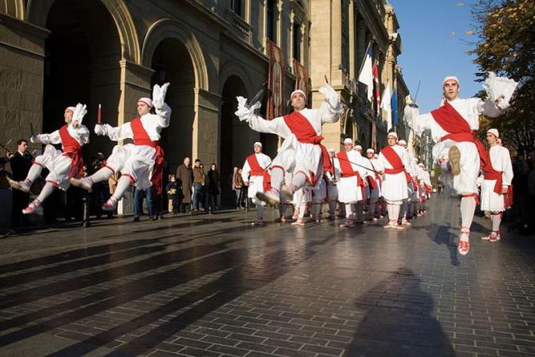 Basque Dancers   © Kezka Dantza Taldea Eibar / WikiCommons