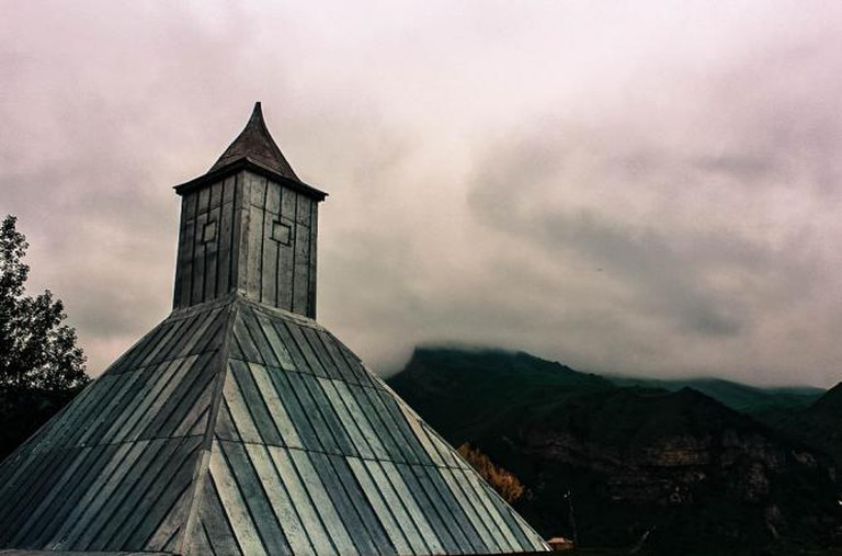 Mosque in Laza | © Ioanna Sakellaraki