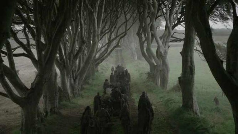 Dark hedges of Armoy - Game of Thrones Series 2 Episode 1 filmed on location in Northern Ireland   © horslips5/Flickr