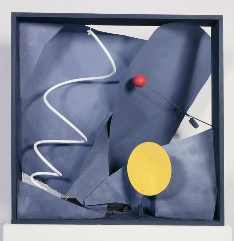 Black Frame, 1934, wood, sheet metal, wire, and paint, with motor, 93.98 x 93.98 x 60.96 cm, Calder Foundation, New York, NY, USA l Courtesy of the Calder Foundation, New York / Art Resource, NY © ARS, NY and DACS, London 2015