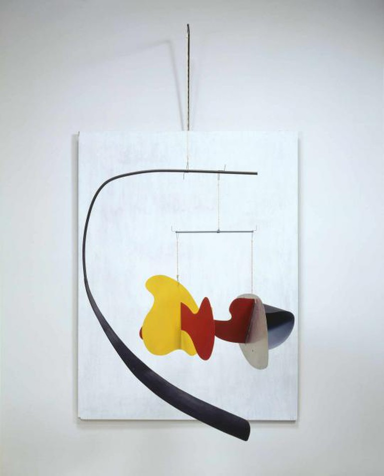White Panel, 1936, plywood, sheet metal, tubing, wood, rod, wire, string, and paint, 214.63 x 119.38 x 129.54 cm, Calder Foundation, New York, NY, USA l Courtesy of the Calder Foundation, New York / Art Resource, NY © ARS, NY and DACS, London 2015