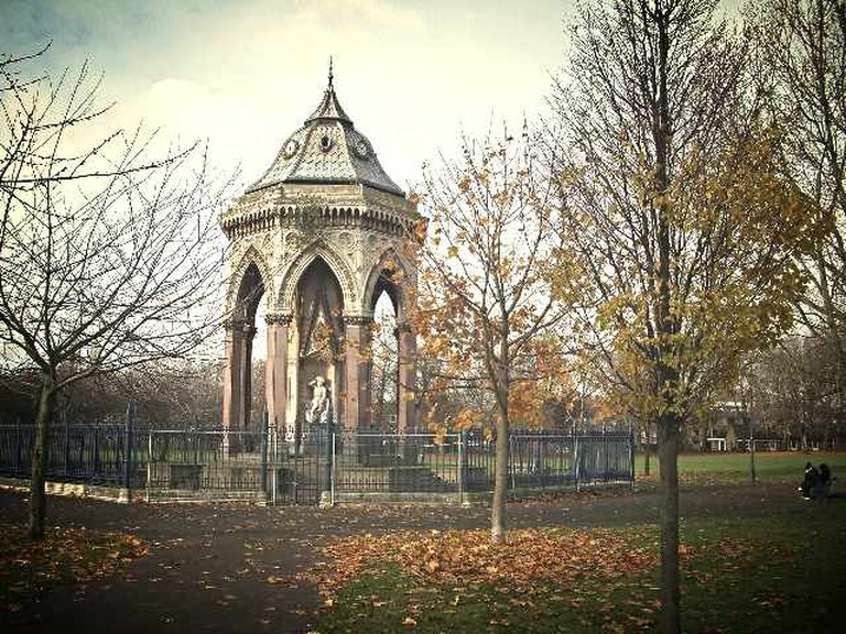 Burdett Coutts Fountain, Victoria Park | © John Davies/Geograph