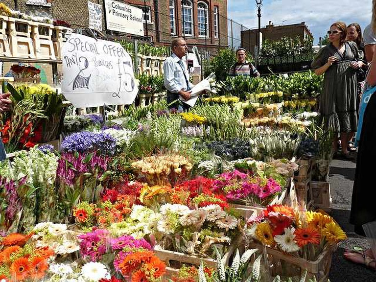 Columbia Flower Road Market | © GanMed64/Flickr