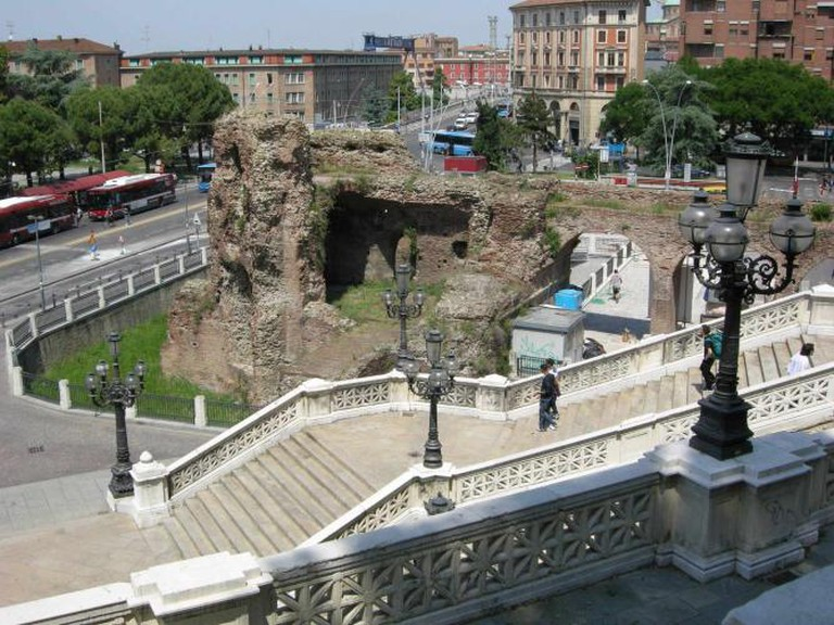 Steps to Parco della Montagnola / ©sailko/ wikicommons