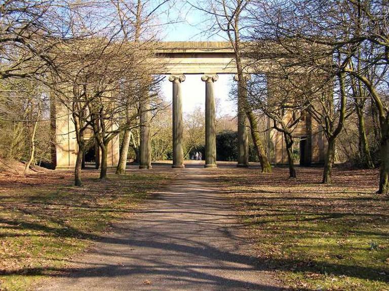Heaton Park - Town Hall Colonnade © David Dixon/WikiCommons
