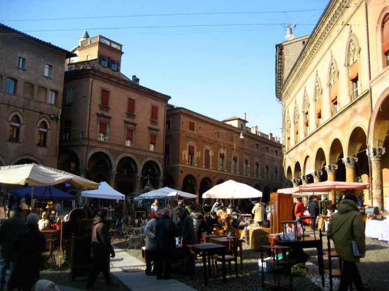 Bologna Piazza Santo Stefano / ©Jeremy Keith / wikicommons