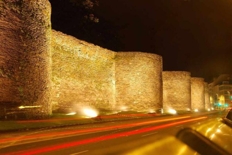 Roman Wall |© Emilio García / Flickr