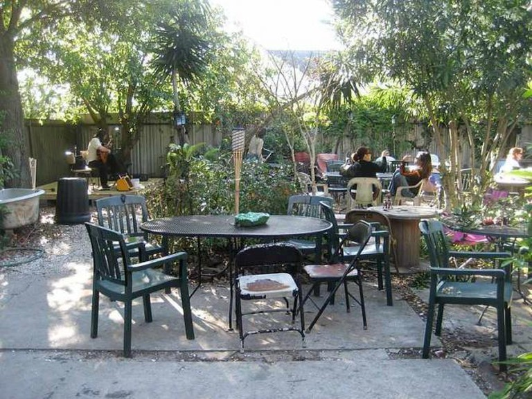 Guitarist in back yard of Bacchanal Wine Bar & Restaurant, Bywater section of New Orleans - Infrogmation/Wikimedia Commons