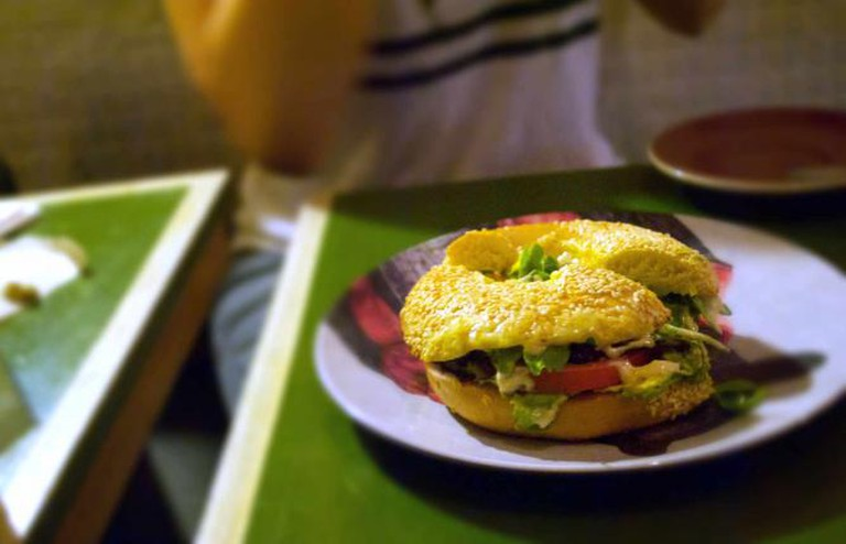 Jungle Juice's famous and delicious Vego Bagel | © Kaitlyn Wilson