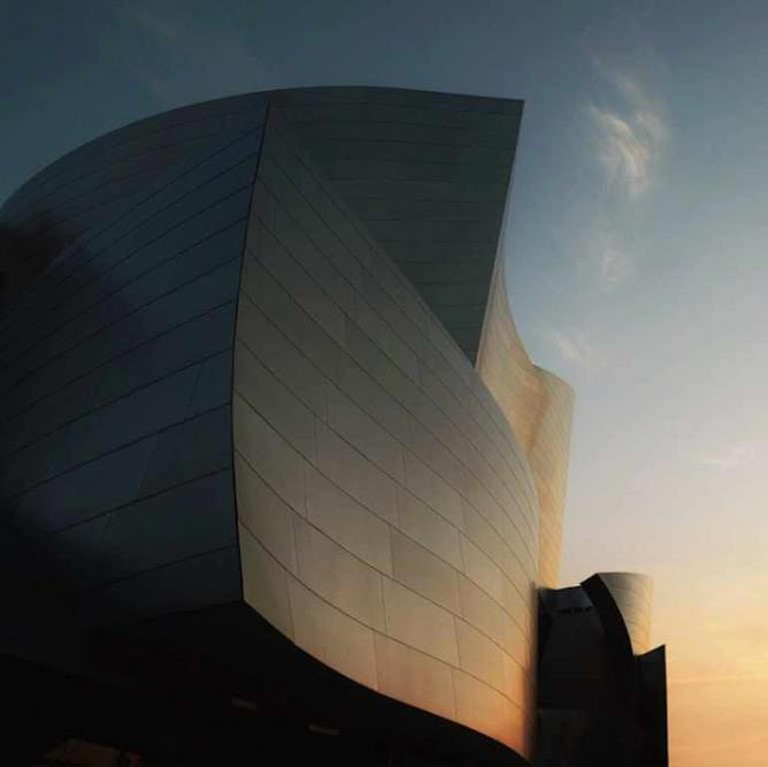 Modern Los Angeles architecture at its finest — the Walt Disney Concert Hall.