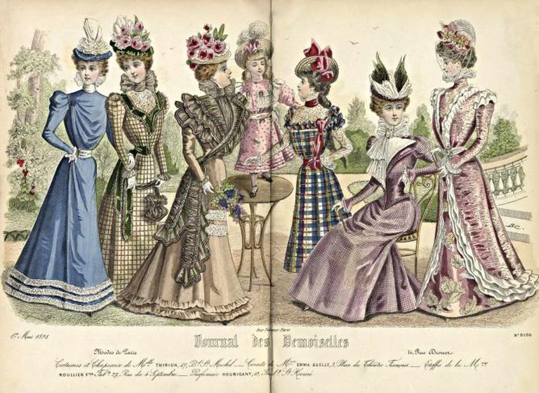 1898 Ladies' Clothing Catalogue | © Special Collections Toronto Public Library /Flickr