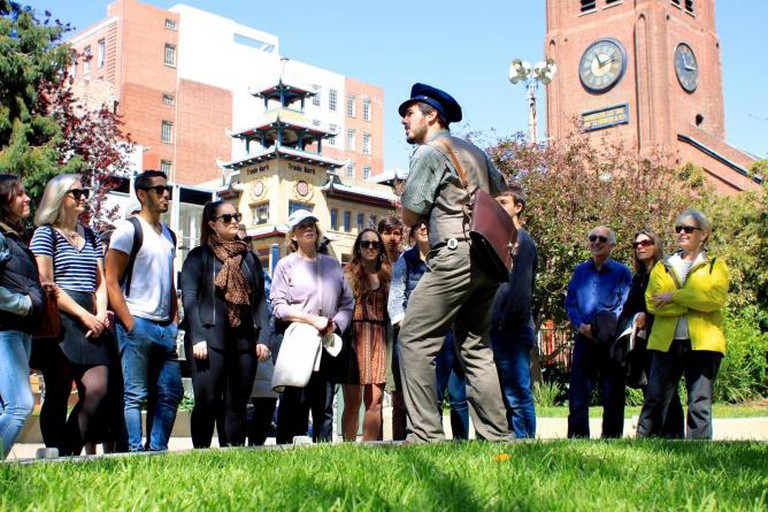 Captain speaking to people on Classic Tour © Andrew Wong, Courtesy of Wild SF Walking Tours