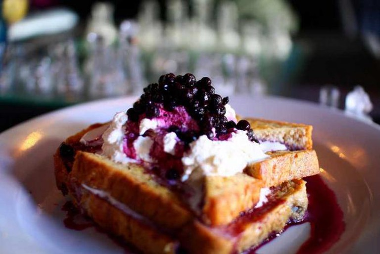 Blueberry French Toast | © Martin Cathrae/Flickr