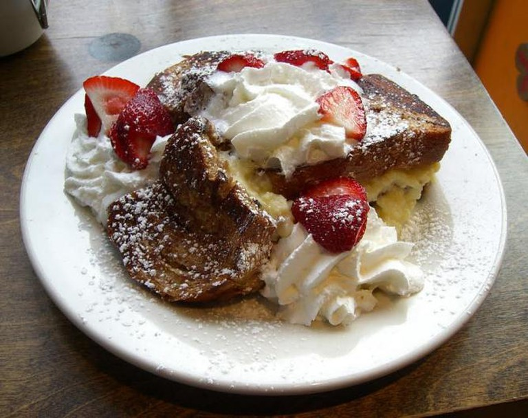 Stuffed french toast © Kim Scarborough/WikiCommons