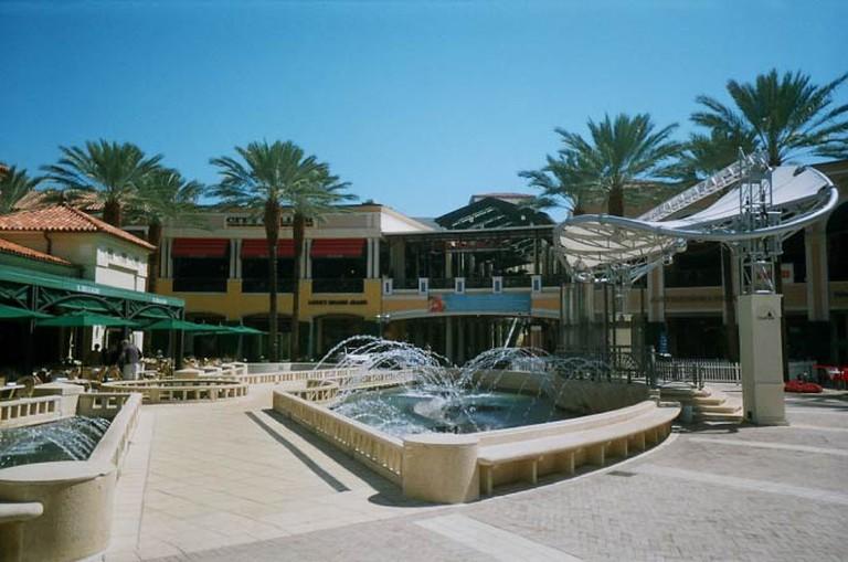 City Place Fountain (c) Phillip Pessar