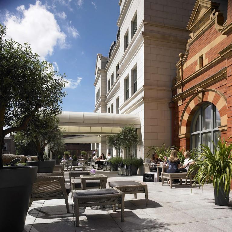 04f7dd4a Dylan Hotel