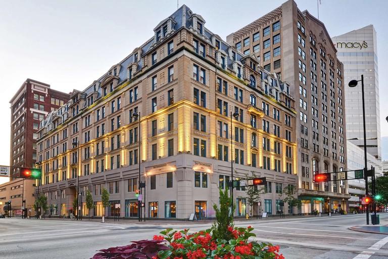 The Cincinnatian Hotel, Curio Collection by Hilton_86b05b06